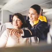 Lufthansa Flugbegleiterin