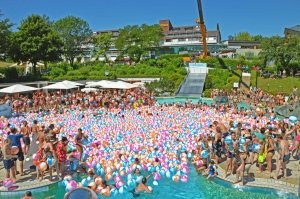 Bällebad in der Therme Loipersdorf beim #wearewater - Fest