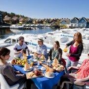 Gruppen-Urlaub auf einem Hausboot