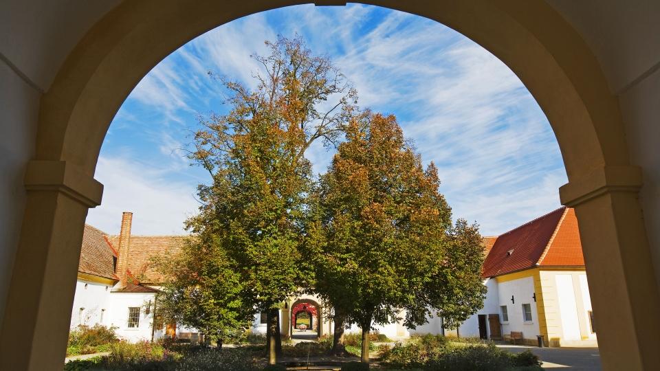 Gutshof im Schloss Hof