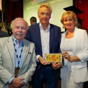Europa-Park gewinnt Golden Ticket Award