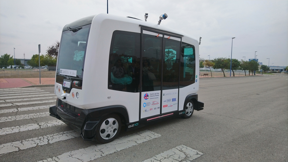 Autonomer Minibus ohne Fahrersitz