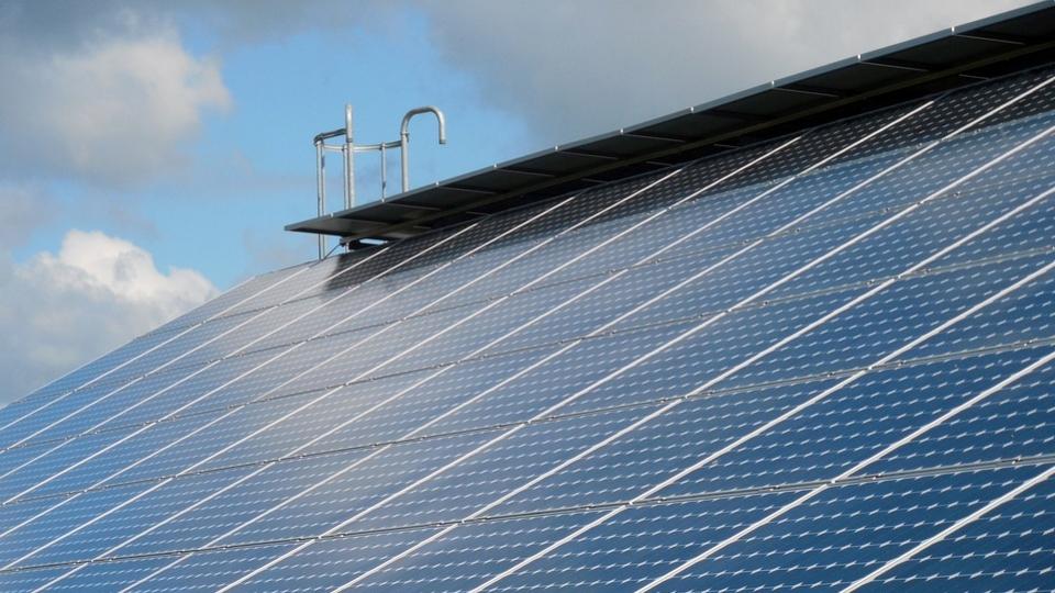 Drei neue Photovoltaik-Anlagen am Flughafen Wien