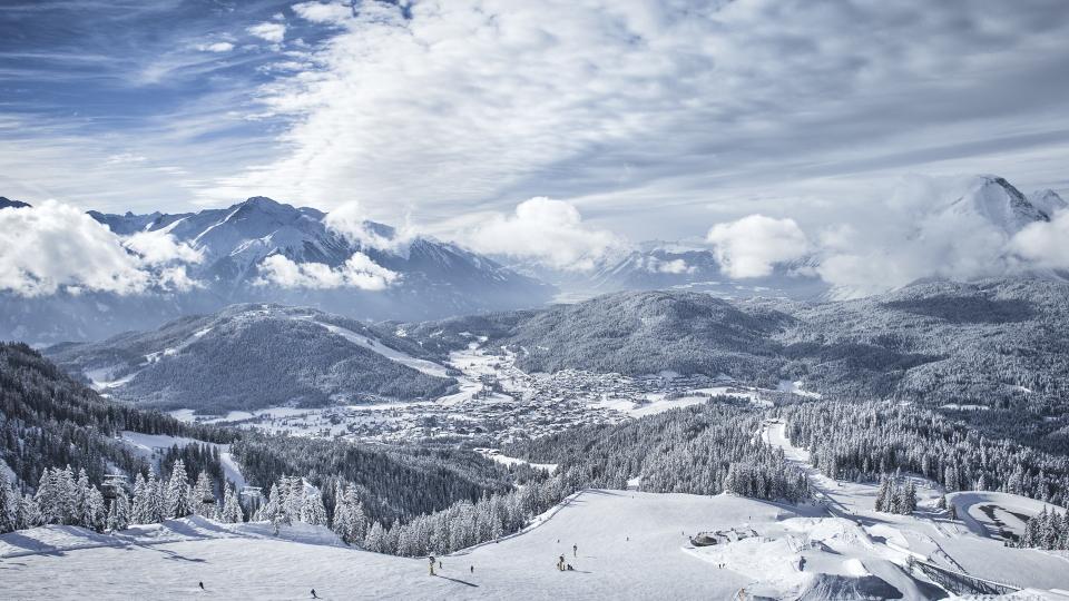 Wandern am 1. Winter-Weitwanderweg Tirols