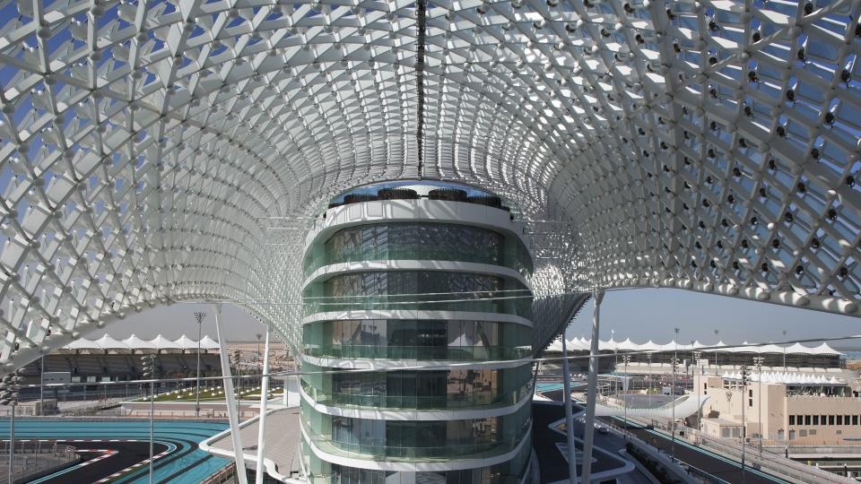 W Abu Dhabi gibt Gas